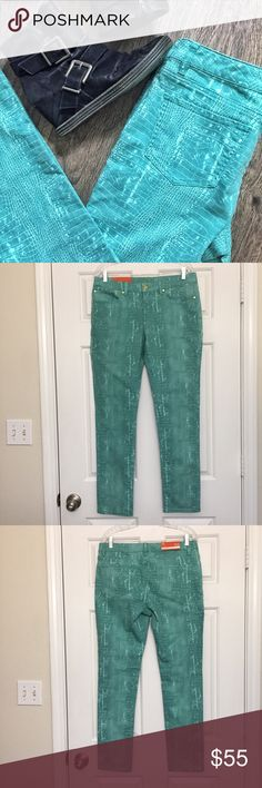 Teal Croc Skin Skinny Denim NWT - these are C-Wonder Skinny Jeans in a soft teal croc skin pattern. Sure to make a statement, would look great with silver or gold jewelry or a dramatic lip. C. Wonder Jeans Skinny