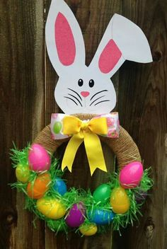 Easy DIY Easter Wreaths for Front Door - Party Wowzy crafts wreath Easter Art, Easter Crafts For Kids, Easter Eggs, Easter Ideas, Easter Bunny, Spring Crafts, Holiday Crafts, Dollar Store Halloween, Bunny Crafts
