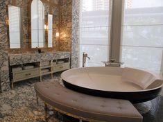 Resultado de imagen de deniot bathroom