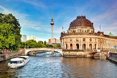 Planning a short trip of 3 days in Berlin? Then you are heading towards the most awesome trip of your life. Here are some things to do in Berlin in 3 Days