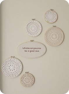 doilies in embroidery hoops so simple so beautiful Crochet Motif, Crochet Doilies, Crochet Patterns, Embroidery Hoop Decor, Hand Embroidery, Doily Art, Doilies Crafts, Linens And Lace, Cute Crafts