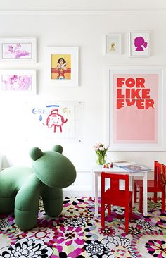6 Smart Ways To Let Your Child Personalize Their Space // girl's room, play room, gallery wall, For Like Ever, artwork
