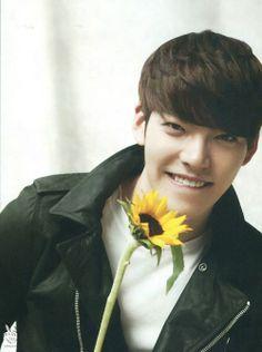 Flower boy with my favourite flower <3