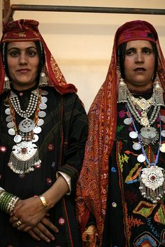 India |  Gojri ladies in Traditional Dress.  Gojri, also known as Gujari is an Indo-Aryan language spoken by the Gujjars of Northern-Pakistan, India and Afghanistan. | © Ramesh Lalwani