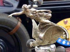 Hood ornament, Fiat 501 Torpedo 1925, piazza della Repubblica, Livorno