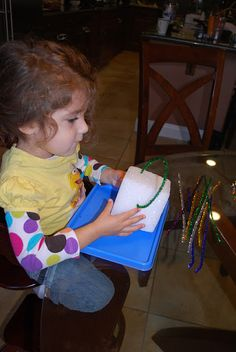 Easy Pipe Cleaner Activity | Mess For Less