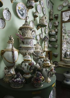 Made at the Royal Copenhagen Porcelain Manufactory, decorated with botanical drawings of Denmark's flora. Porcelain Black, Fine Porcelain, Royal Copenhagen, A Royal Affair, Flora Danica, China Clay, English Interior, The Royal Collection, Museum