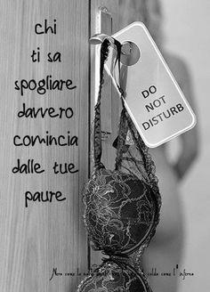 http://noircafe.blogspot.it/2018/03/chi-ti-sa-spogliare-davvero-comincia.html