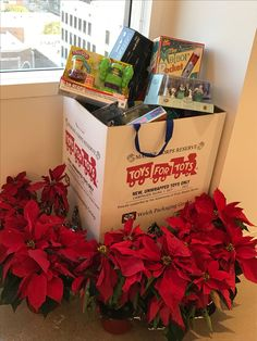 Age of Learning is thrilled to be participating in the #ToysforTots program this holiday season. There has been tremendous enthusiasm company-wide for helping to provide toys to families in need.