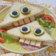 funny food - creative food for young and old prepared creatively by kelly. - funny food – creative food for young and old prepared creatively by kelly. Food Art For Kids, Cooking With Kids, Board For Kids, Toddler Meals, Kids Meals, Cute Food, Good Food, Funny Food, Boite A Lunch