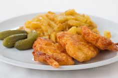 Kuracie rezne v syrovom cestíčku Czech Recipes, Ethnic Recipes, Chicken Wings, Poultry, Sausage, Curry, Lunch Box, Food And Drink, Low Carb