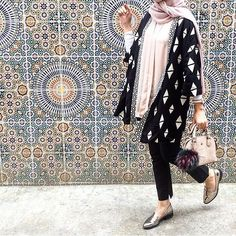 fashion, hijab, and islam image Islamic Fashion, Muslim Fashion, Modest Fashion, Fashion Outfits, Fashion Wear, Casual Hijab Outfit, Hijab Chic, Modest Wear, Modest Outfits