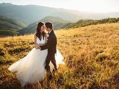 Golden hour outdoor bride and groom photo