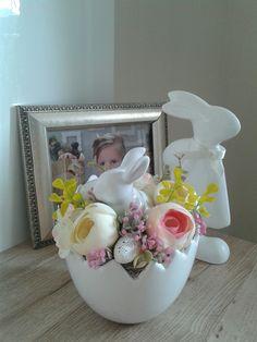 Easter Bunny Cake, Easter Eggs, Easter 2020, Easter Flowers, Easter Table Decorations, Egg Art, Egg Decorating, Easter Wreaths, Spring Crafts