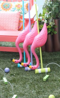 DIY Alice in Wonderland Croquet Set! A perfect game for a fun summer day spent outside with family and friends… plan an Alice in Wonderland party! Alice In Wonderland Croquet, Alice In Wonderland Tea Party Birthday, Alice Tea Party, Alice In Wonderland Flamingo, Alice In Wonderland Party Ideas, Mad Tea Parties, Mad Hatter Party, Mad Hatter Tea, Mad Hatter Birthday Party