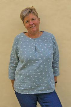 Eine Bluse, die schnell genäht ist wie ein Shirt? Blusenshirt Kim_B machts möglich! | b-patterns Mode Outfits, Casual Chic, Shirts, Shirt Dress, Couture, Sewing, Long Sleeve, Pattern, Mens Tops