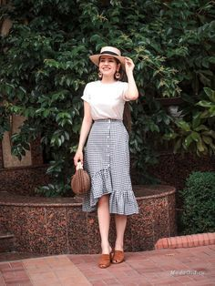 Buy Denim Skirt Outfit Outfits & Sets Months) for Girls Long Skirt Outfits, Modest Outfits, Classy Outfits, Modest Fashion, Casual Outfits, Cute Outfits, Fashion Outfits, Style Feminin, Cute Skirts