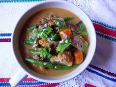 Vöröskaktusz diétázik: Indiai zöldség curry Wok, Thai Red Curry, Beef, Chicken, Ethnic Recipes, Cilantro, Meat, Steak, Cubs