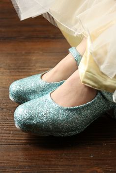 I should have worn these on my wedding day!!!  I want glittery blue tap shoes!