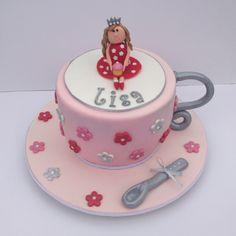 Teacup cake Mini Cakes, Cup Cakes, Teacup Cake, Cake Decorating, Decorating Ideas, Looks Yummy, Creative Cakes, 5th Birthday, Deli