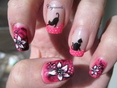 Nail art: Marble nails with cats and flowers by Cajanails