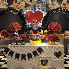 Festa Mickey e Minnie muito fofa por @liviamartinsfestas ❤️ #kikidsparty