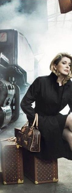 Catherine Deneuve avec Louis Vuitton