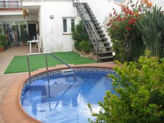swimming pool artificial grass
