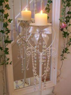 So pretty. I would use a rose or mauve colored candle.