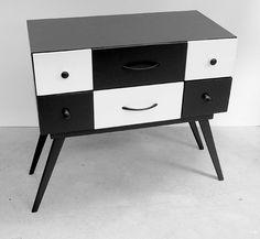 Petit meuble domino en bois de récup' par ATELIER D'éco SOLIDAIRE