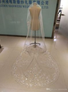 I found some amazing stuff, open it to learn more! Don't wait:http://m.dhgate.com/product/2015-bling-bling-crystal-cathedral-bridal/247136880.html