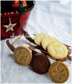 .. chute a vône mojej kuchyne...: Chrumkavé sušienky - kokosové, škoricové, kakaov... Crackers, Christmas Cookies, Rolls, Food And Drink, Sweets, Recipes, Fit, Xmas Cookies, Pretzels