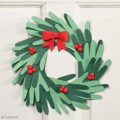 Christmas Crafts For Kids, Handmade Christmas, Christmas Diy, Christmas Wreaths, Christmas Decorations, Holiday Decor, Diy Couronne Noel, Papier Kind, Diy Weihnachten