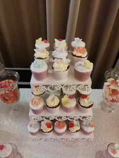 Cupcakes Palma de Mallorca Chocolate, Desserts, Food, Birthday Cake, Candy Stations, Palmas, Majorca, Postres, Chocolates