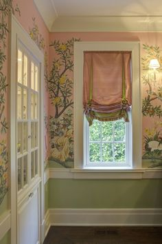 The Glam Pad: My Dream Pink and green Dining Room.very muted grass green and pale flesh pink, gorgeous traditional Southern mural.w/silk shades. would be so cute at a baby girl bedroom Pink Dining Rooms, Green Dining Room, Custom Window Treatments, Wall Treatments, Traditional Window Treatments, Rideaux Shabby Chic, Custom Windows, Custom Drapes, Drapes Curtains