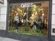 Use artificial greenery in your window displays Artificial Turf, Artificial Plants, Vitrine Design, Fake Grass, Fake Plants, Plant Wall, Weird And Wonderful, Back Gardens, Visual Merchandising