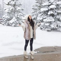 Yesterday's cozy look for a  magical snowy day! ❄️ #winterwonderland #ootd #fauxfur