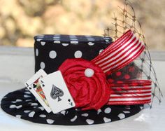 Items similar to Mini Top Hat - Alice in Wonderland Inspired- Tea Party - Costume Birthday - Photo Prop - Deck of Cards on Etsy Mad Hatter Party, Mad Hatter Tea, Madd Hatter, Las Vegas, Cute Costumes, Costume Ideas, Party Costumes, Alice In Wonderland Tea Party, Elastic Headbands