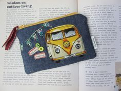 Inspiration for purse - love the applique! Zipper Pouch, Handmade Crafts, Sewing Projects, Applique, Coin Purse, Volkswagen Bus, Jewels, Crafty, Beautiful Gifts