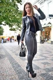 s fashion кожа, красивые девушки, женщина. Hot High Heels, Fetish Fashion, Sexy Boots, Looks Cool, Leggings Are Not Pants, Leather Fashion, Women's Fashion Dresses, Sexy Outfits, Leather Pants