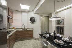 Cozinha moderna com granito claro na bancada, parede e piso - linda! - Decor Salteado - Blog de Decoração e Arquitetura