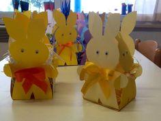 Cestino di coniglietto con cartoncino Bristol