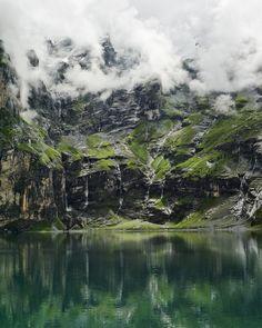 oschinensee lake, bernese oberland, switzerland | nature photography + waterscapes #adventure