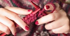 15 Images Inspired by Pantone's 2015 Color of the Year: Marsala Hand Knitting, Knitting Patterns, Knitting Projects, Start Knitting, Knitting Blogs, Knitting Wool, Pantone 2015, Craft Online, Color Of The Year