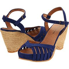 as summer approaches i begin the search for sandals. i am so picky with them that i usually end up with none - its a tough process. the ones i want are always too $$$! prime example with these. if only i had a spare $128!