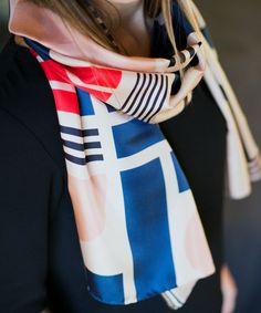 Shandor, Foulard en soie motifs graphiques, foulard arty, mode éthique et  responsable   33252bf7e7e