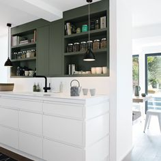 nice Idée relooking cuisine - contemporary white kitchen with white and dark grey cabinets. Upper Cabinets, Grey Cabinets, Kitchen Cabinets, Kitchen Benchtops, Kitchen Units, Kitchen Flooring, Kitchen On A Budget, Kitchen Dining, Kitchen Decor