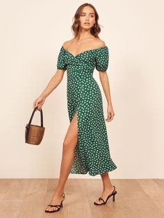 Springtime is the peak of wedding season, which means you'll be looking for wedding guest dresses that are both stylish and appropriate. Keep reading for 18 wedding guest dresses that are absolut Edgy Dress, Dress Up, Cocktail Bridesmaid Dresses, Kate Dress, Rehearsal Dinner Dresses, Pearl Dress, Trendy Fashion, Fasion, Summer Dresses