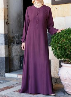Tamadur Dress Save A flared dress version of our classic Pintucked Tunic, this piece has just the right balance between subtle touches and classic style to make it a sure wardrobe favorite. Abaya Fashion, Modest Fashion, Fashion Dresses, Muslim Dress, Hijab Dress, Moslem Fashion, Modele Hijab, Hijab Style, Abaya Designs