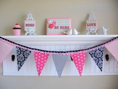 My Blonde Ambitions: Double Sided Bunting Tutorial for TomKat Studio and Giveaway Fabric Bunting, Bunting Garland, Garlands, Diy Bunting, Bunting Ideas, Diy Banner, Fabric Banners, Fabric Garland, Buntings